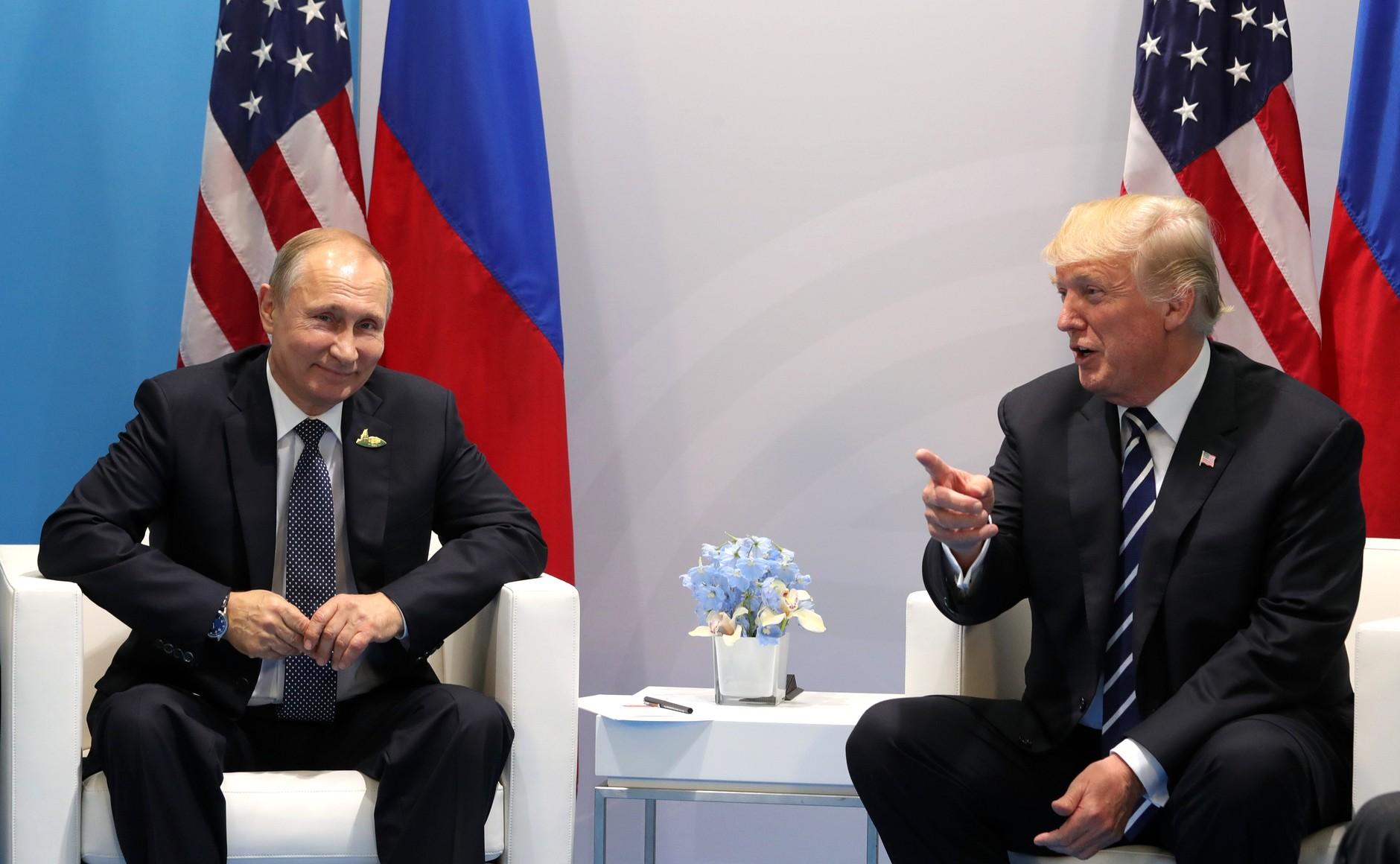 Стала известна причина исчезновения записей переводчика со встречи Путина и Трампа