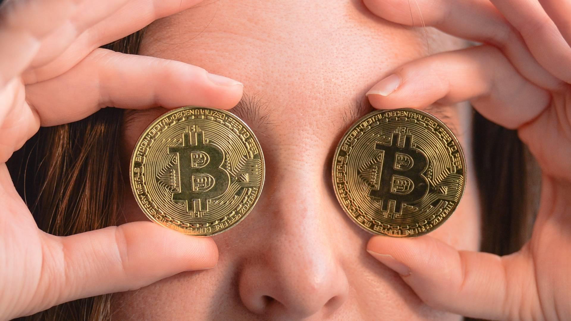 Началась распродажа биткоина. На сколько упадёт курс криптовалюты и как спасти сбережения