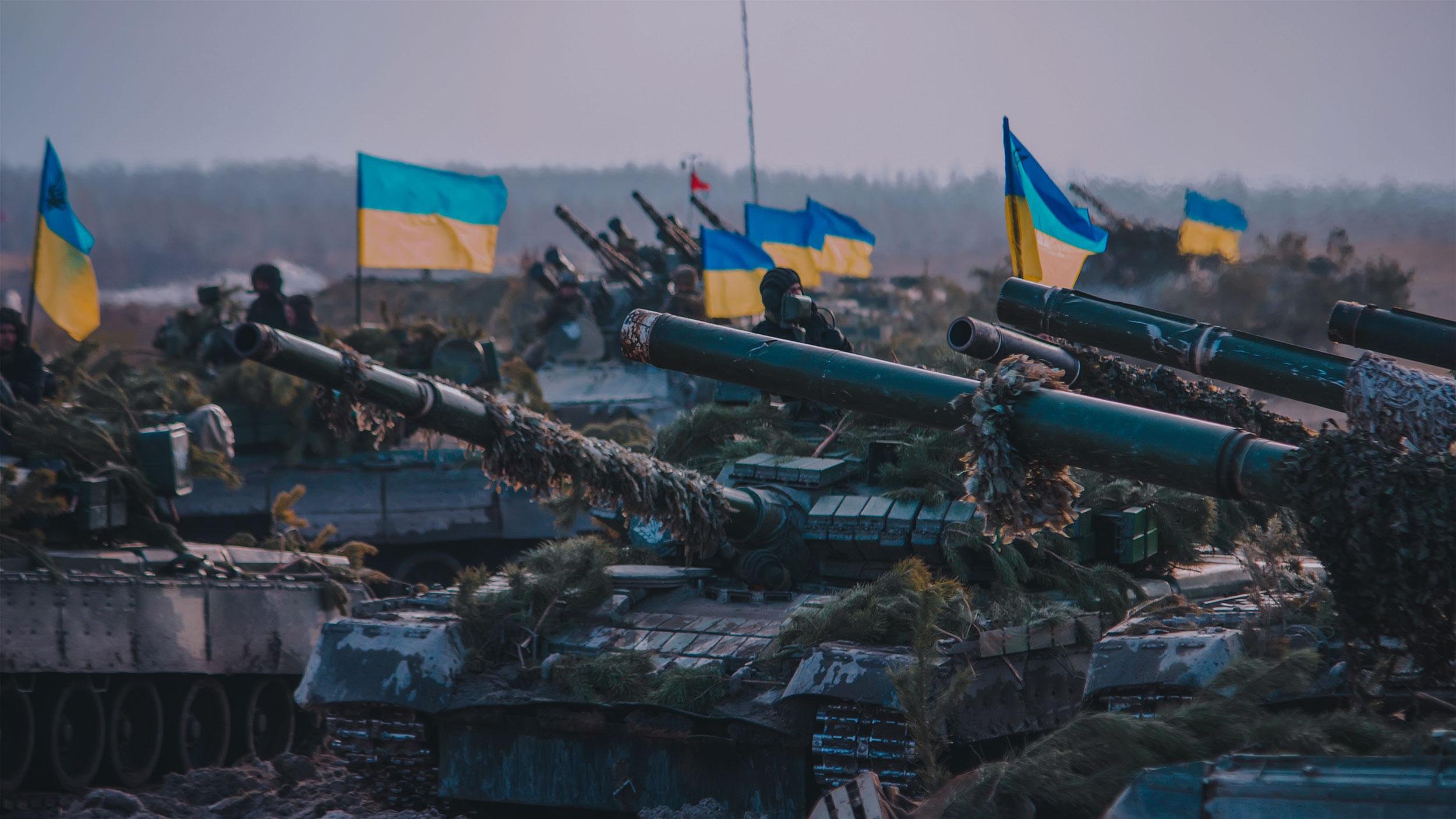 Танки — из прошлого, беспилотники — из будущего. ВСУ могут начать массированное наступление на Донбасс