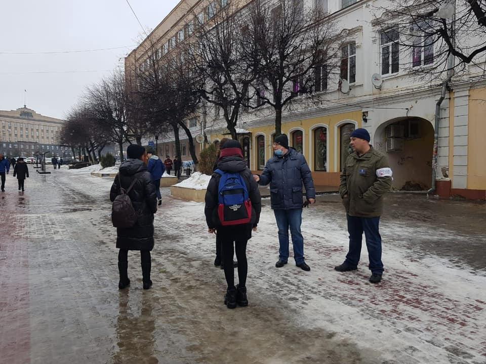 Кузнецова сообщила, что на незаконных митингах задержали около 300 подростков
