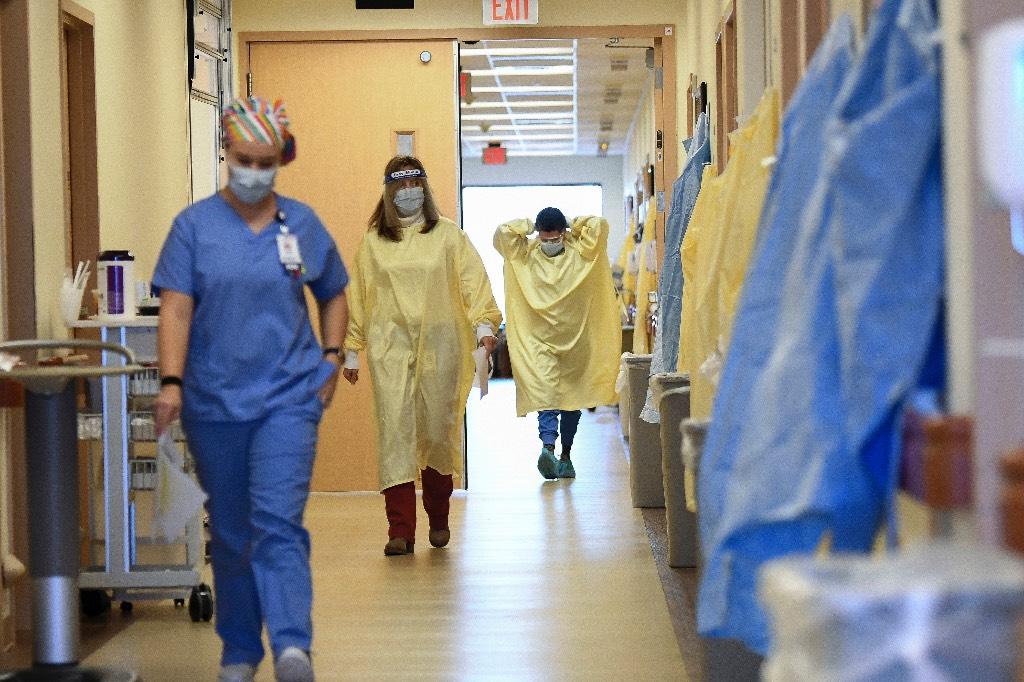Похоронные бюро Калифорнии сообщили о нехватке мест в моргах из-за умерших от коронавируса