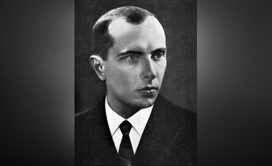 Львовские депутаты призвали вернуть Бандере звание героя Украины