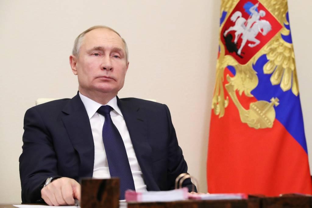 Песков объяснил, почему Путин до сих пор не генерал