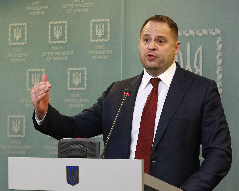 Глава офиса Зеленского заявил о невозможности выполнить минские соглашения