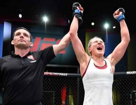 Олейник проиграл нокаутом в UFC, а вот Куницкая победила