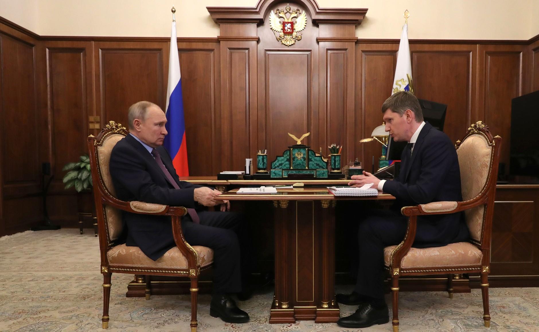 После разговора Путина с министром Решетниковым цены на сахар и масло продолжат контролировать