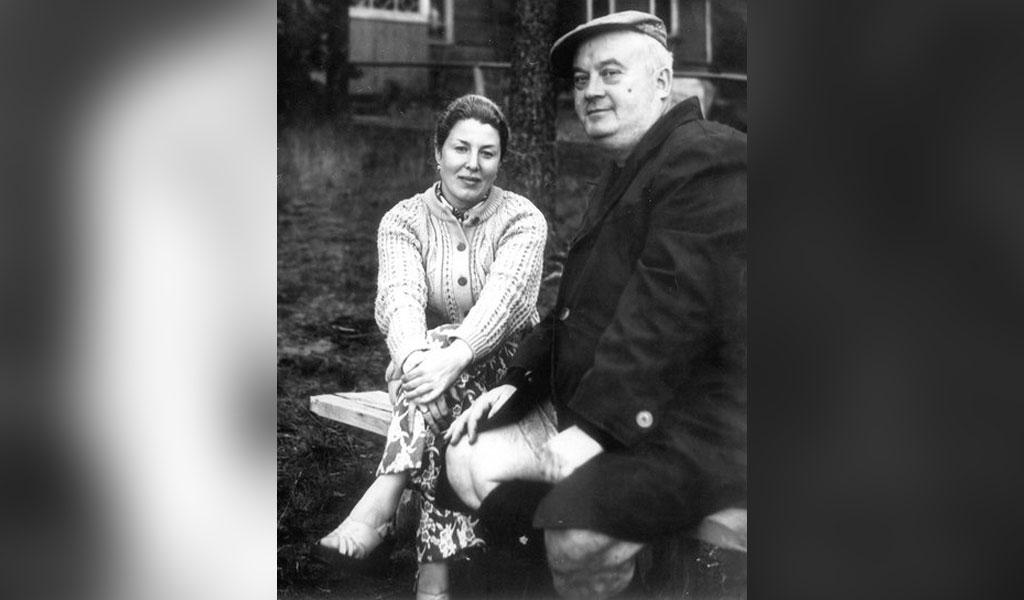 Внучка Евгения Моргунова сообщила о смерти вдовы легендарного актёра. Его сын отрицает