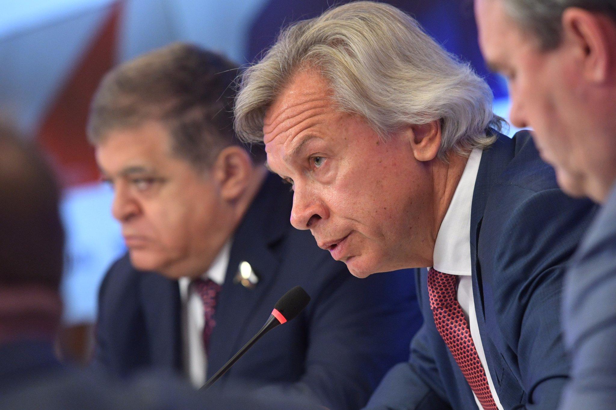 'США не важно, что о них думает Россия': Пушков призвал перестать играть в 'информационные поддавки' с Западом