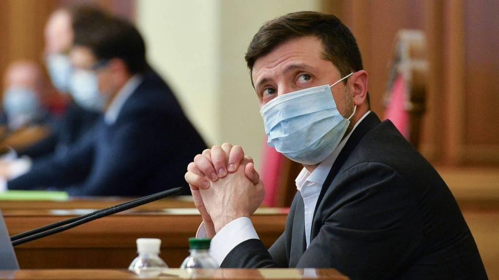 Смертельно опасное упрямство: почему Владимир Зеленский отвергает российскую вакцину