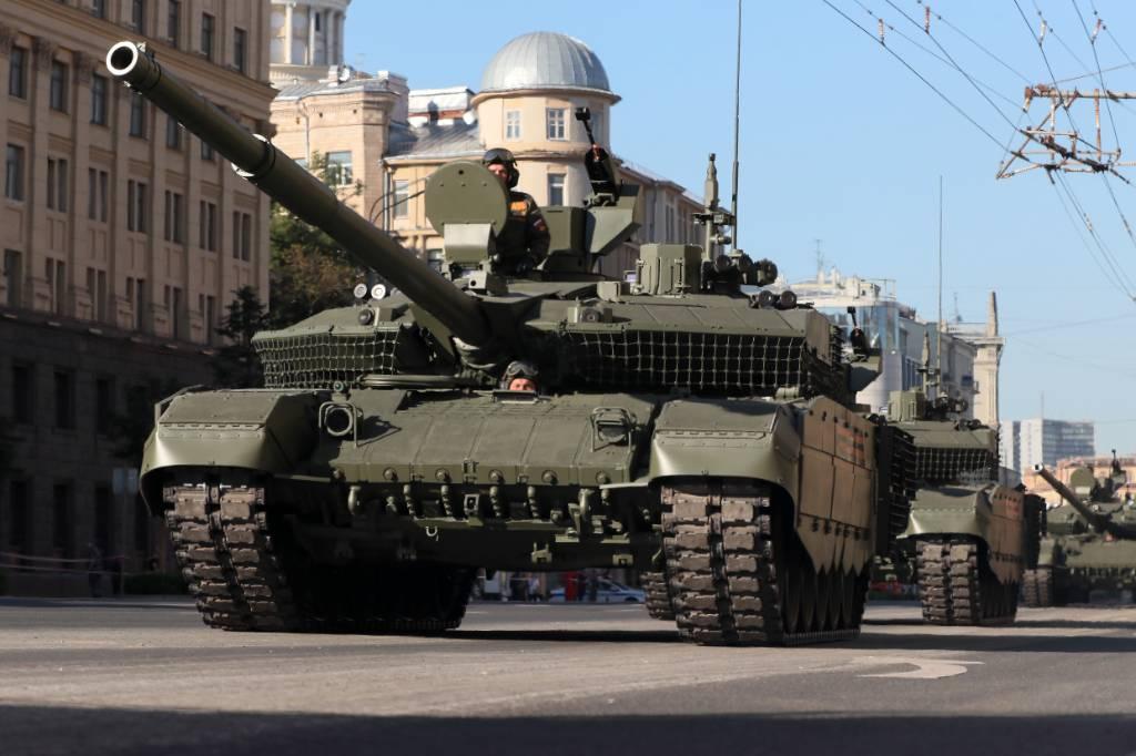 В России на вооружение поступили танки, способные объединяться в сеть