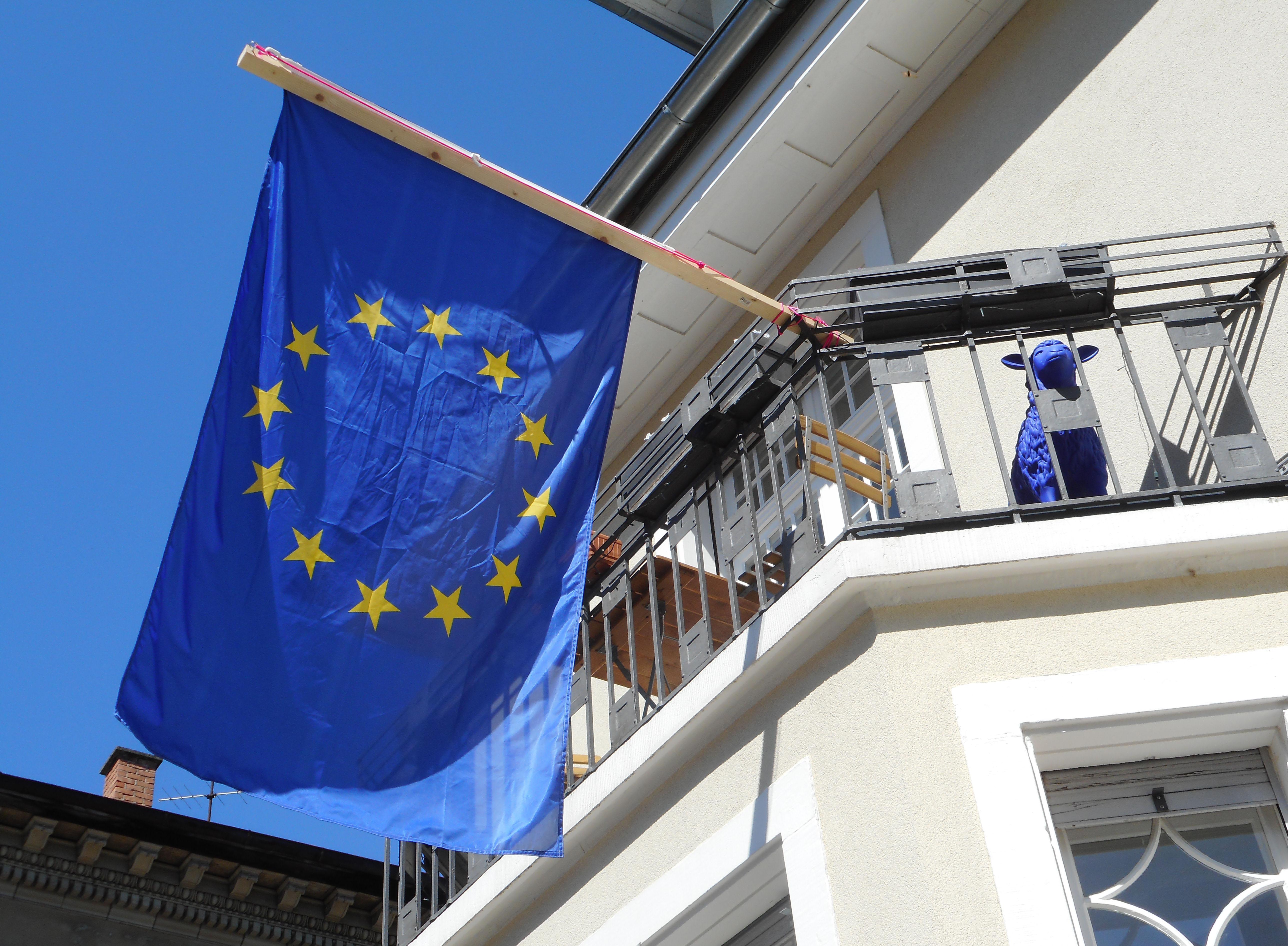 Bloomberg: Несколько стран ЕС хотят смягчить правила въезда для иностранцев