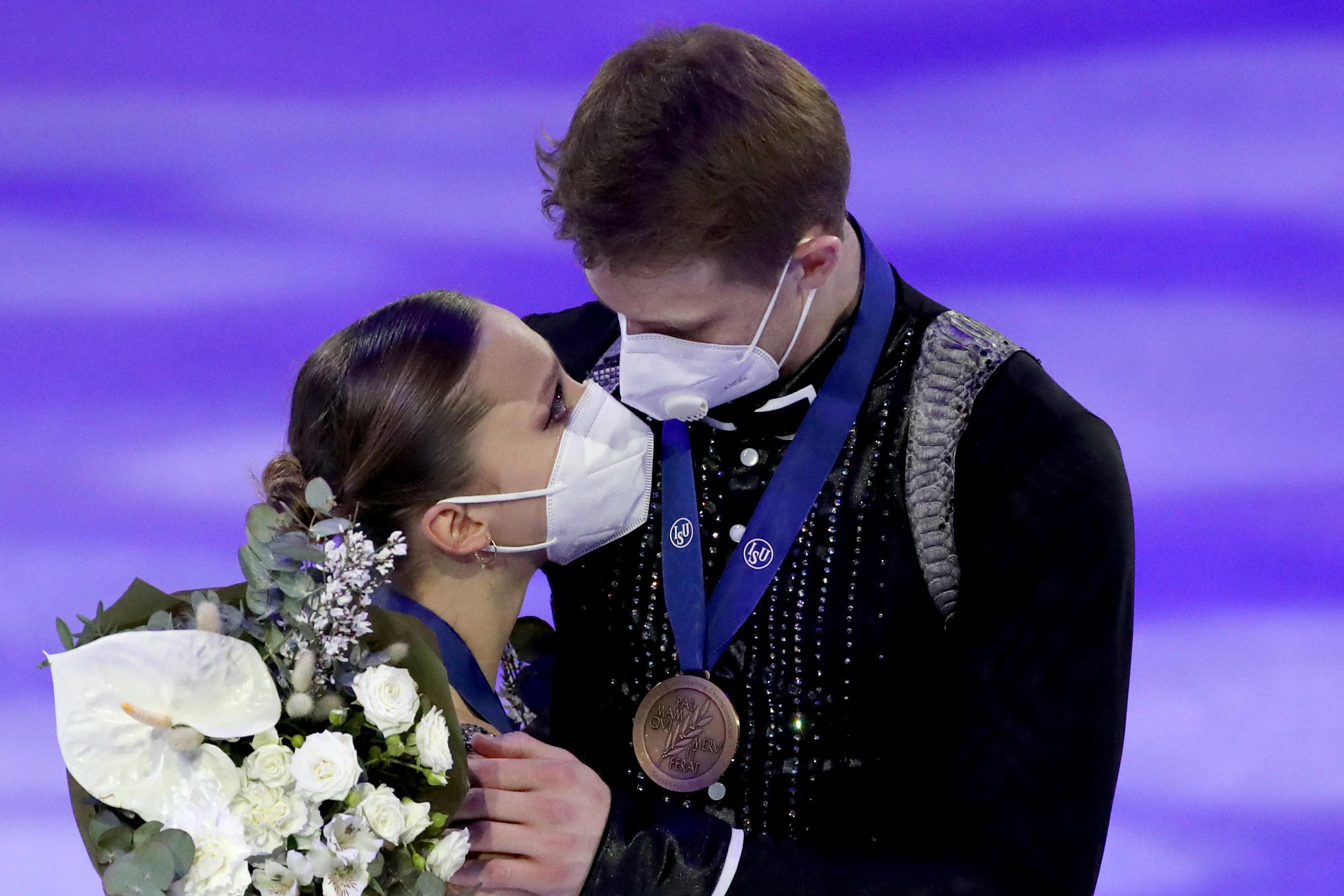 'Поздравляю, у вас есть чемпионы': Скандальная история Загитовой и Медведевой всплыла там, где не ждали