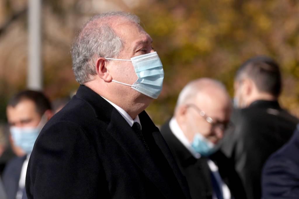 Оппозиция потребовала экстренной встречи с президентом Армении