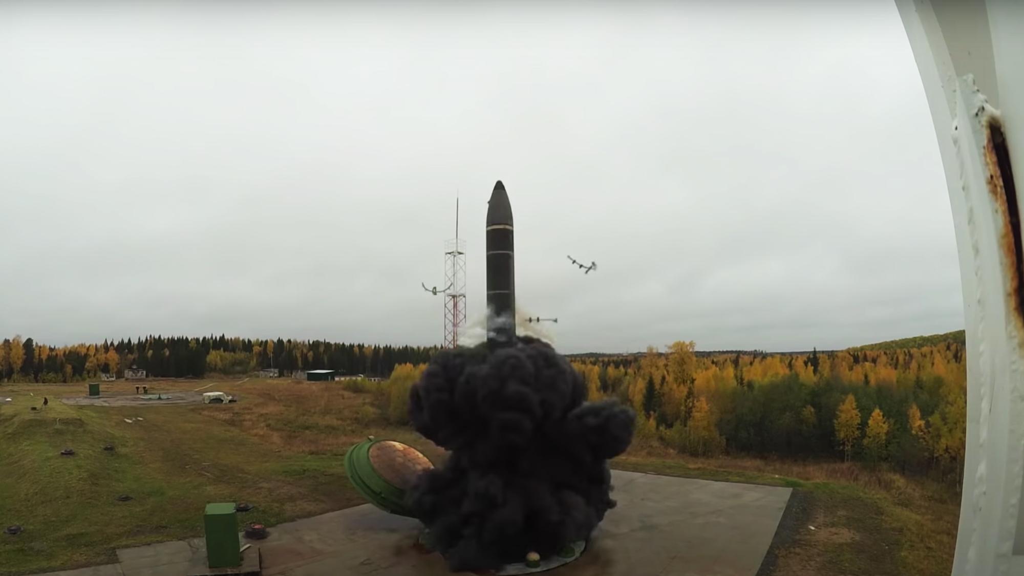 'Наследник Сатаны' и новый 'Ядерный призрак': каким будет новый ракетный комплекс 'Кедр'