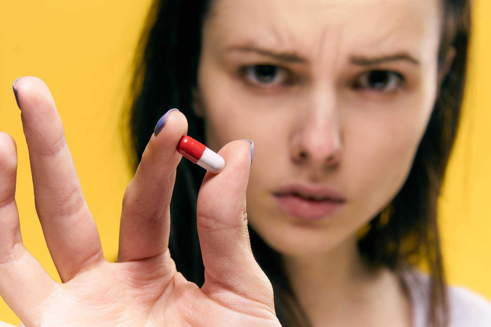 Бесконтрольный приём: можно ли пить витамины без рекомендаций врача и чем это может быть опасно