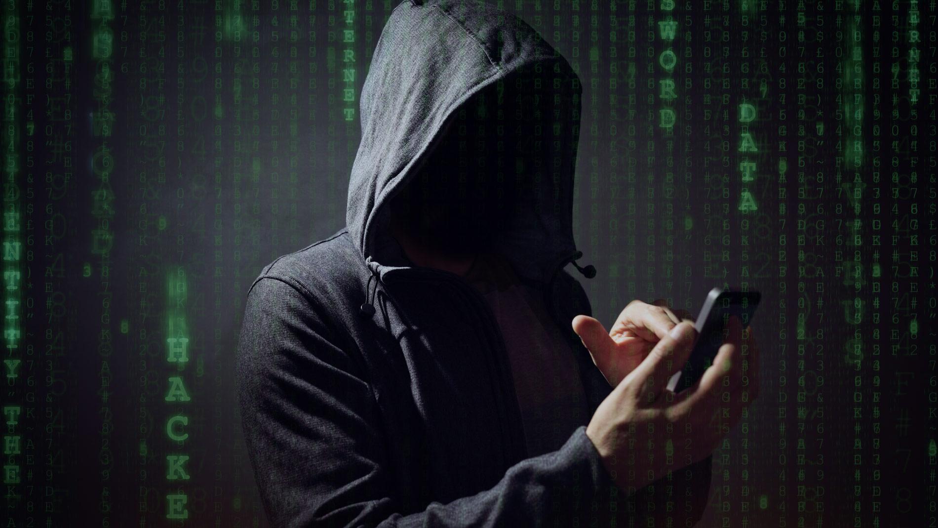 Поздравительные СМС и виртуальные открытки: как мошенники воруют данные во время праздников