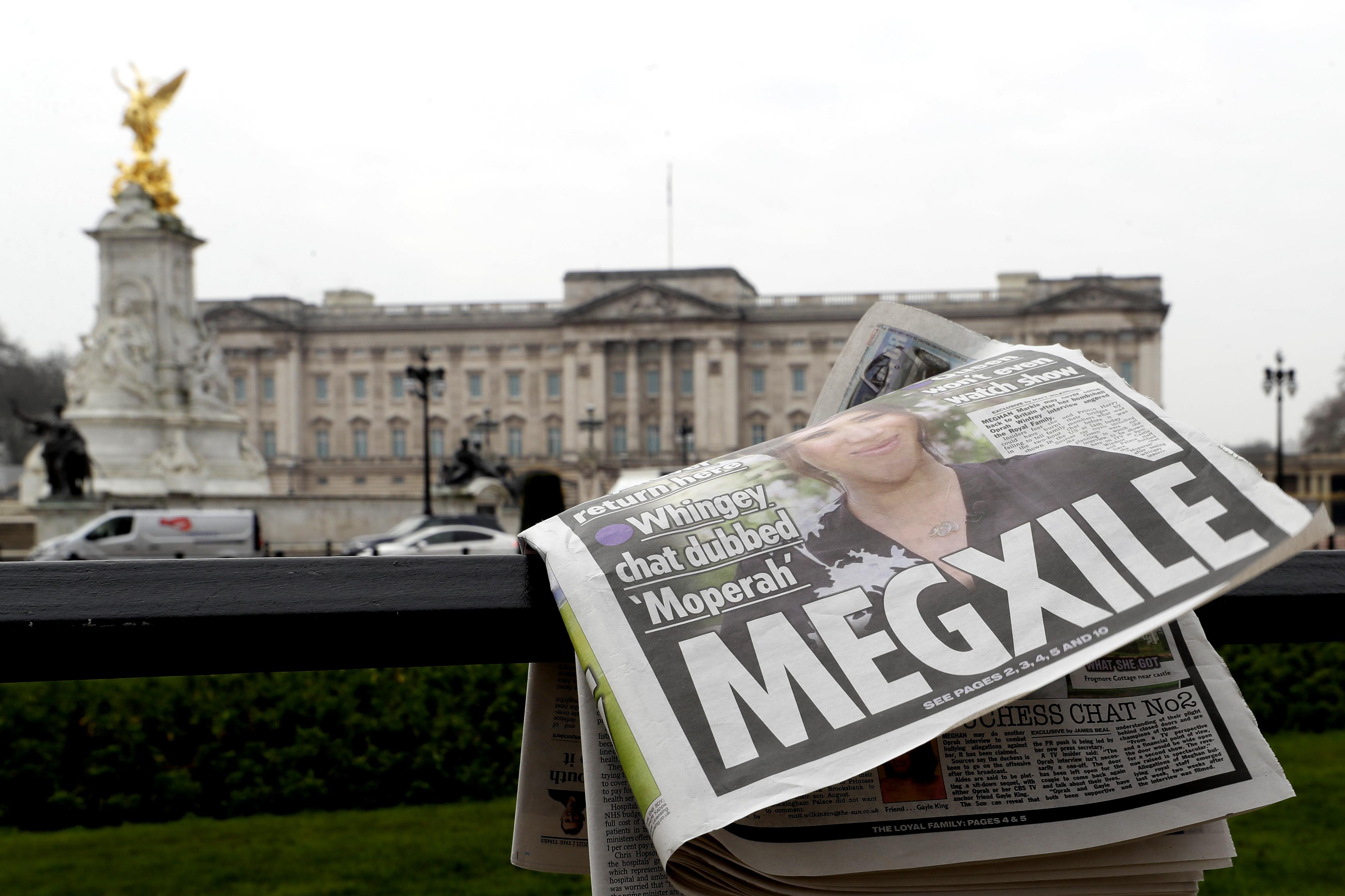 Захарова назвала обрушением декораций скандальное интервью принца Гарри и Меган Маркл