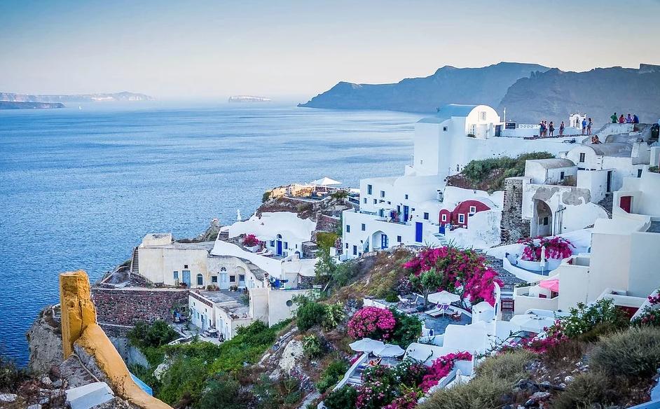 Названа дата открытия Греции для туристов