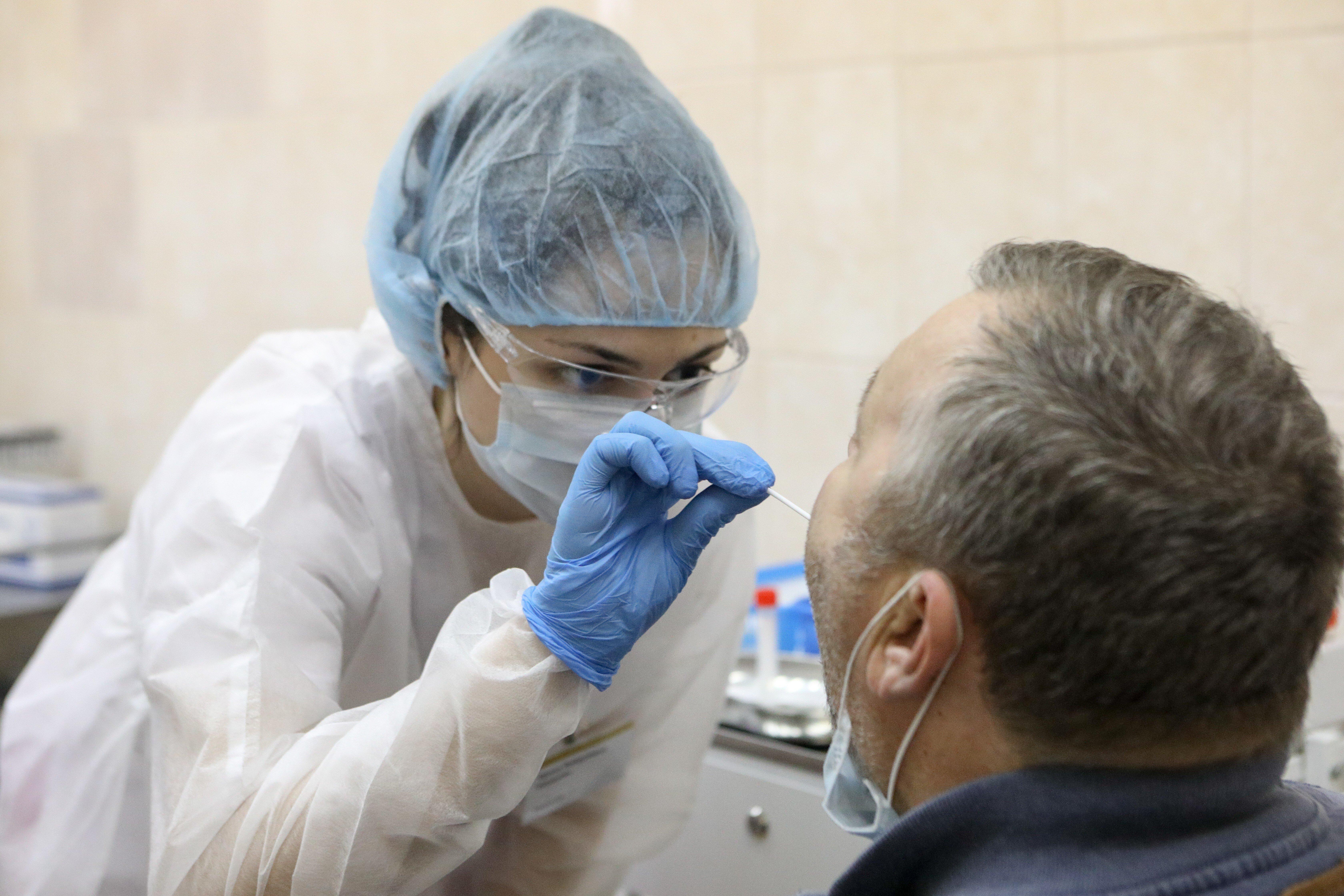 Песков отреагировал на двукратный рост заболеваемости коронавирусом в Крыму