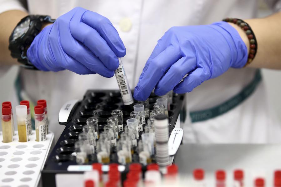 В России за сутки выявили 8053 случая заражения коронавирусом